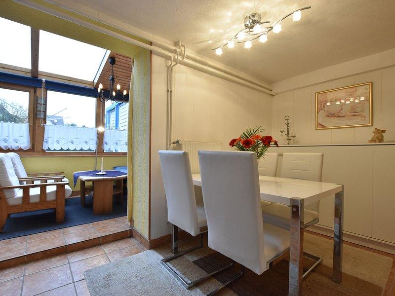 Fabulous Apartment in Kühlungsborn with Garden, holiday rental in Klein Bollhagen