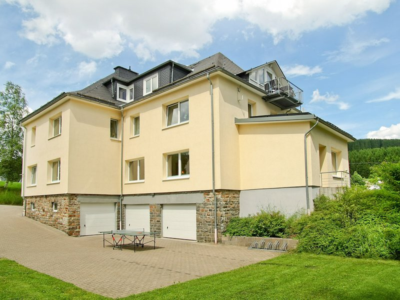 Exclusive group house in the Sauerland with common room and wellness area – semesterbostad i Lennestadt