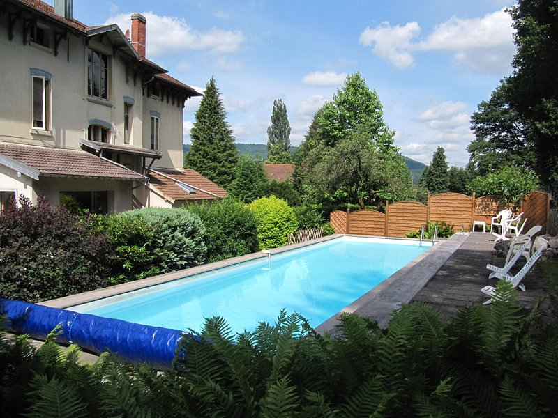 Delightful, Italian-inspired cottage, in the Vosges., casa vacanza a Girmont Val d'Ajol