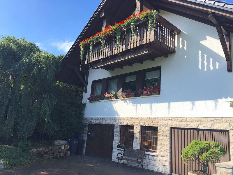 Large apartment in the Thuringian Forest - quiet with a fantastic view, vacation rental in Oberhof