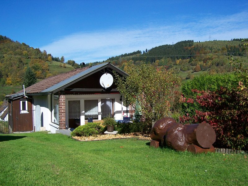Bright Holiday Home in Schonbrunn with Garden, holiday rental in Neustadt am Rennsteig
