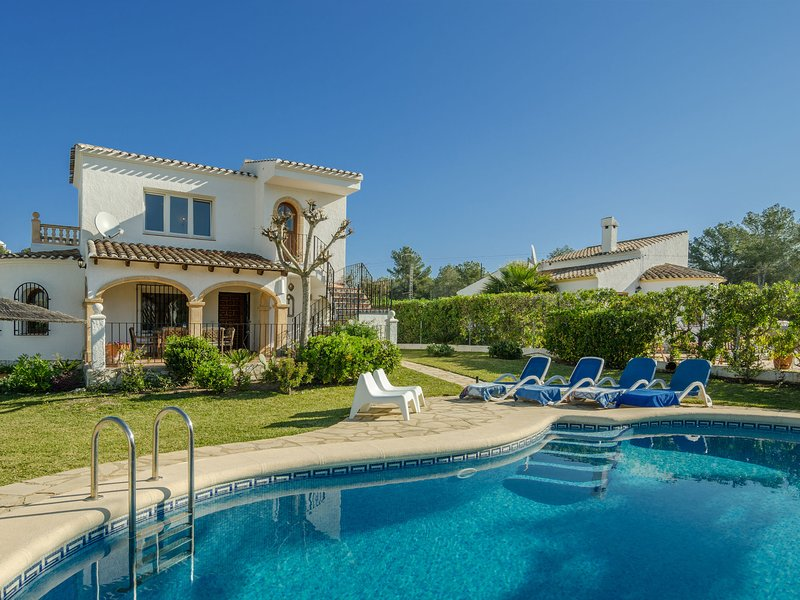 Modern Villa in Javea Valencia with Swimming Pool, vacation rental in El Tosalet