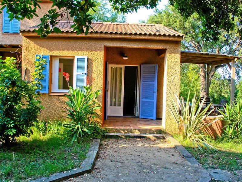 Beautiful Holiday Home in Poggio-Mezzana, 150 m from Beach, casa vacanza a Poggio-Mezzana