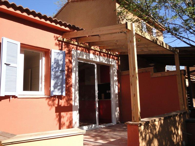 Charming Holiday Home in Poggio-Mezzana, 150 m from Beach, casa vacanza a Poggio-Mezzana
