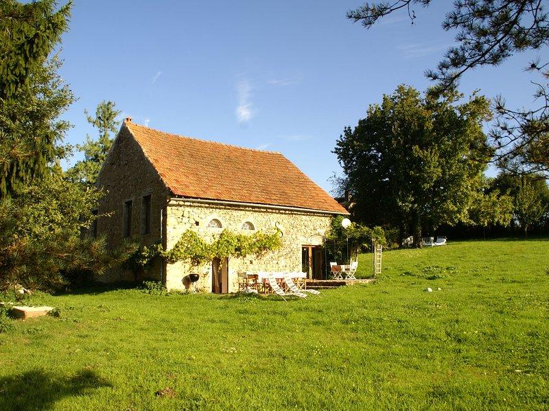 Tastefully quiet cottage in the Morvan, in Saint-Germain-des-Champs, holiday rental in Vault-de-Lugny