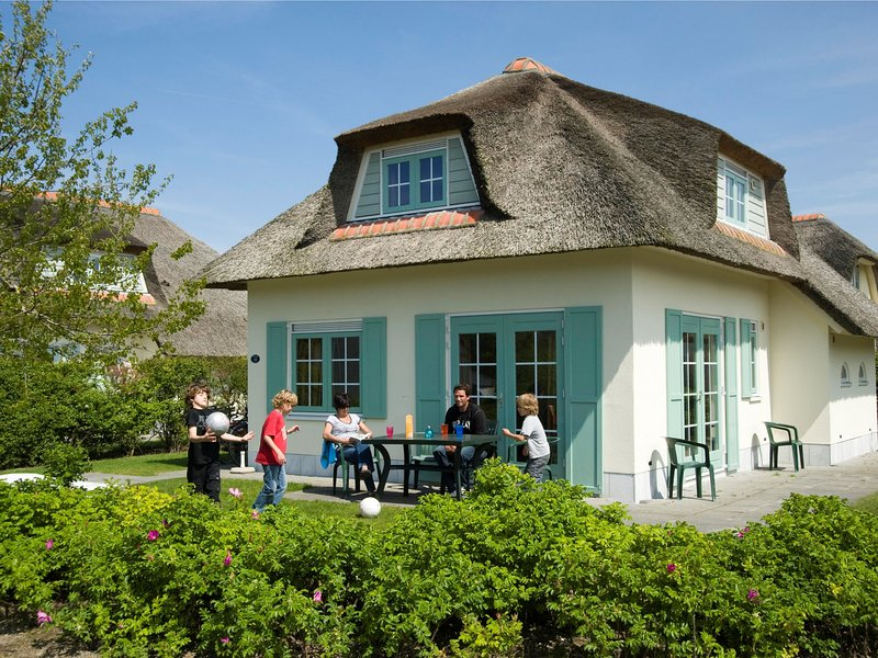 Restyled villa with dishwasher, sea at 1 km. in Domburg, location de vacances à Domburg