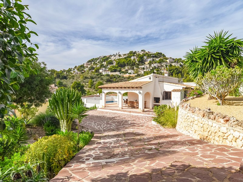 Luxurious Villa with Private Swimming Pool in Benissa, holiday rental in Benimeit