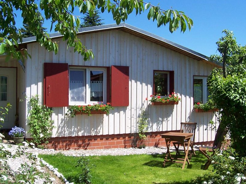 Holiday home in the South Harz with stove, terrace, garden and terrific view, alquiler vacacional en Ellrich