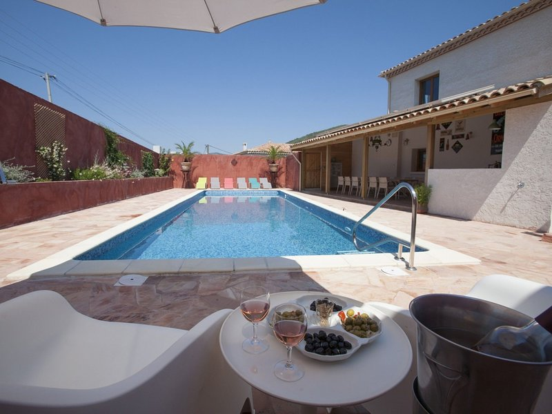 Modern Villa in Roquebrun with Private Pool, holiday rental in Vieussan