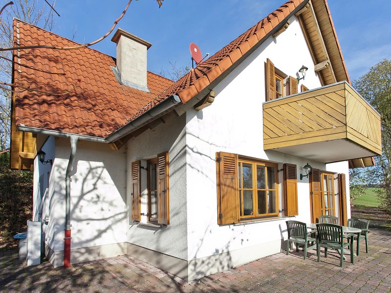 Holiday home in the Knüllgebirge with balcony, garden and lovely view, holiday rental in Aua