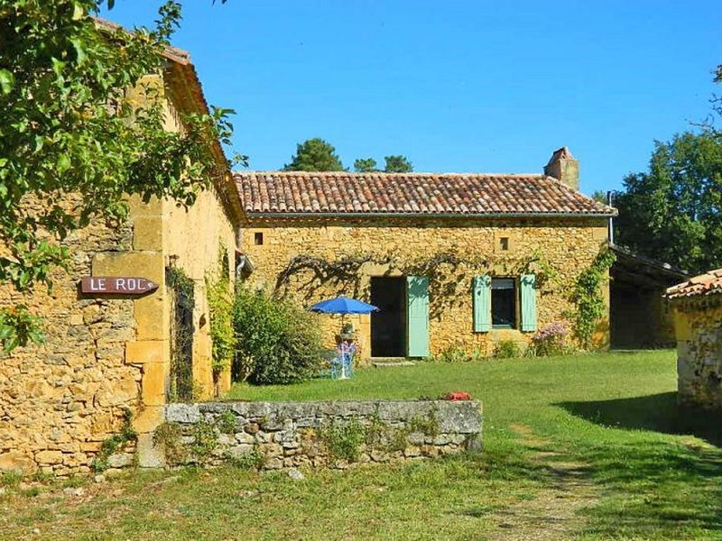 Cosy Holiday Home in Sainte-Croix with Garden, holiday rental in Sainte Croix