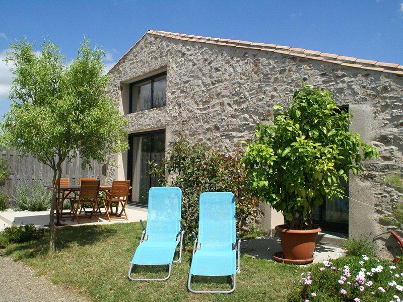Inviting Villa in Château-d 'Olonne Near the Sea, Ferienwohnung in Chateau-d'Olonne