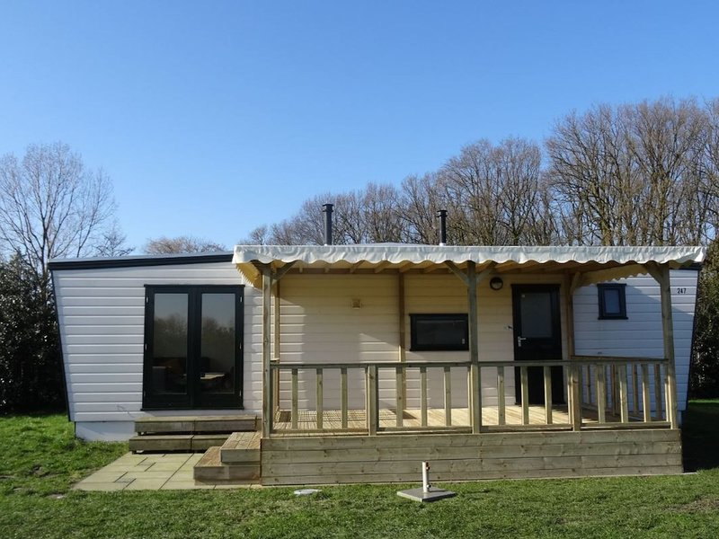 Nice furnished chalet near the Loonse and Drunense Duinen, vacation rental in Loon op Zand