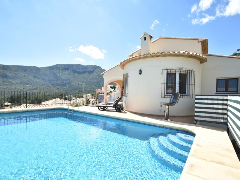 Cozy Villa in Pego with Private Pool, vacation rental in Sagra