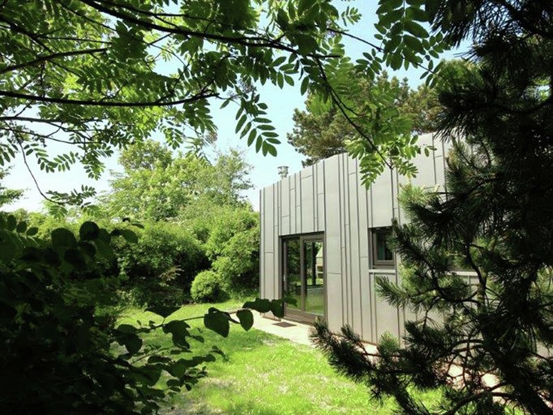 Holiday home with fine interior with private garden with plenty of privacy near, aluguéis de temporada em Groote Keeten