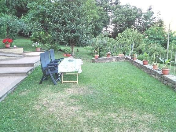 Relax e confort sulle Apuane. Casa MontiMare ! ! !, holiday rental in Azzano