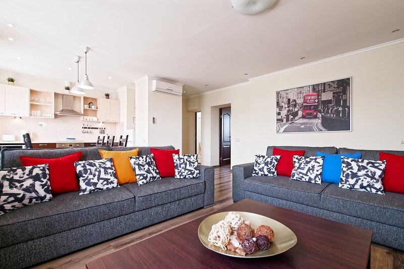 2 bedroom apartment with Air conditioning, location de vacances à Riga