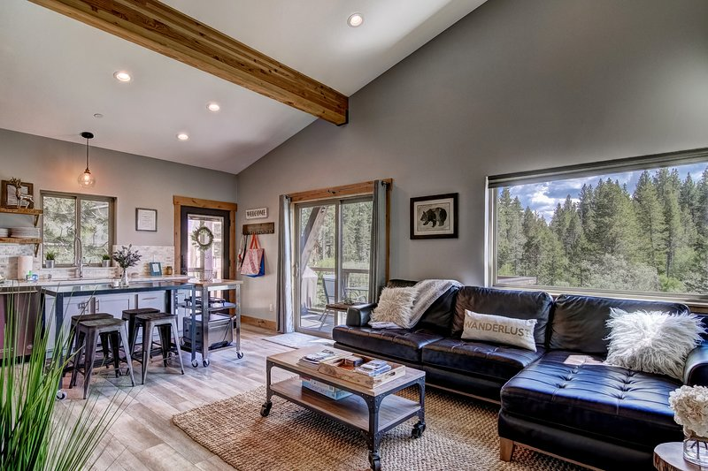 South Lake Tahoe Vacation rental with Lake and Mountain views!