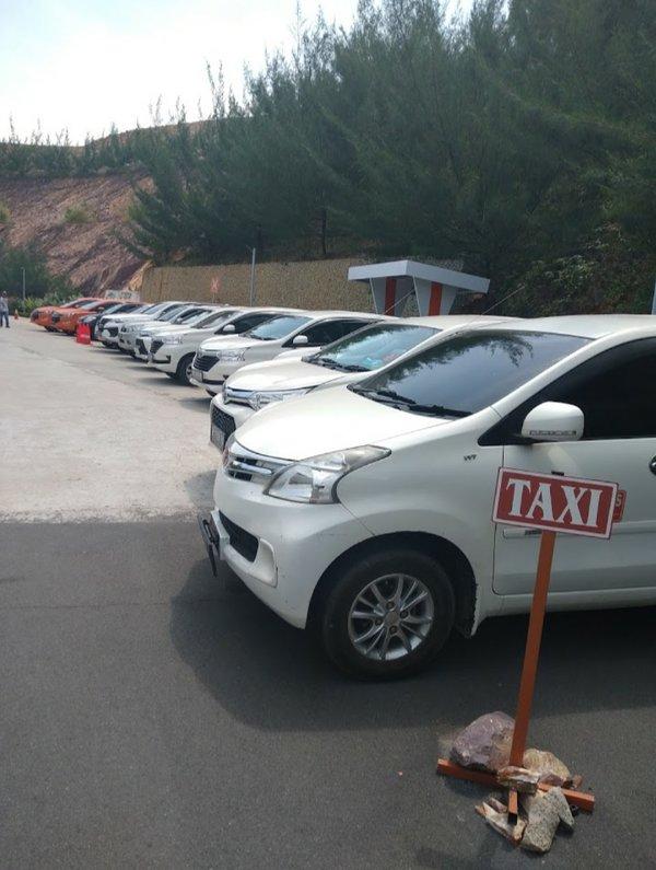 Promo liburan akhir tahunRental mobil dan sopir Inova Avanza Xenia dll harga mulai dari 50 S$/hari