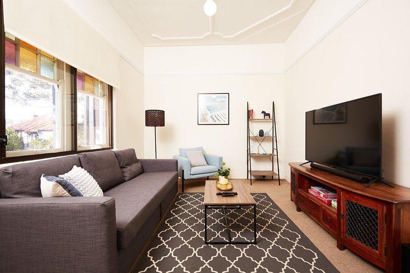 Art Deco Style Nearby Sydney Harbour Bridge, holiday rental in Cremorne
