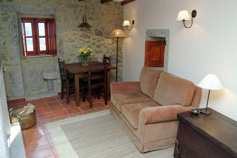 Nice house with mountain view, vacation rental in Sao Romao