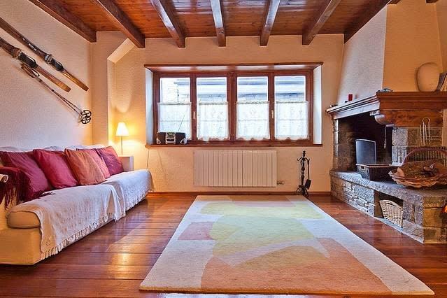 Salardu casa adosada cardenal, holiday rental in Unha