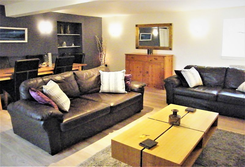 Hamilton Cottages Arran - NEW Ashdale Cottage with family games room and gardens, vacation rental in Shiskine