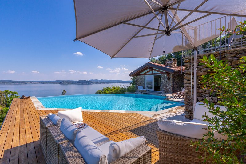Paradis Relais With Pool, vacation rental in Belgirate