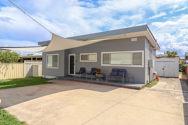 The Beach Shack- Across from the beach, vacation rental in Swansea