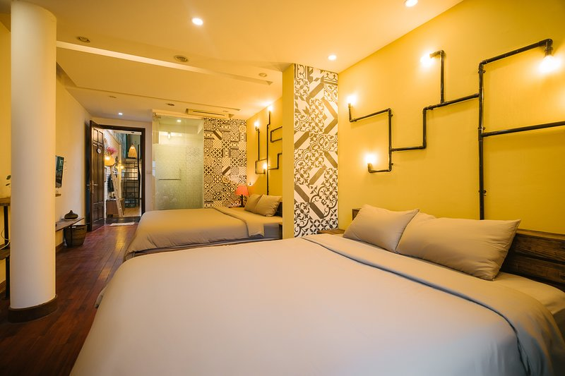 Entire French house 4 bedrooms at Hanoi Downtown, holiday rental in Hanoi