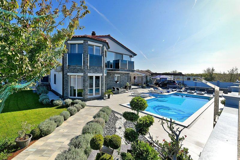 Villa Vila Danijela - Polancec, holiday rental in Valbandon