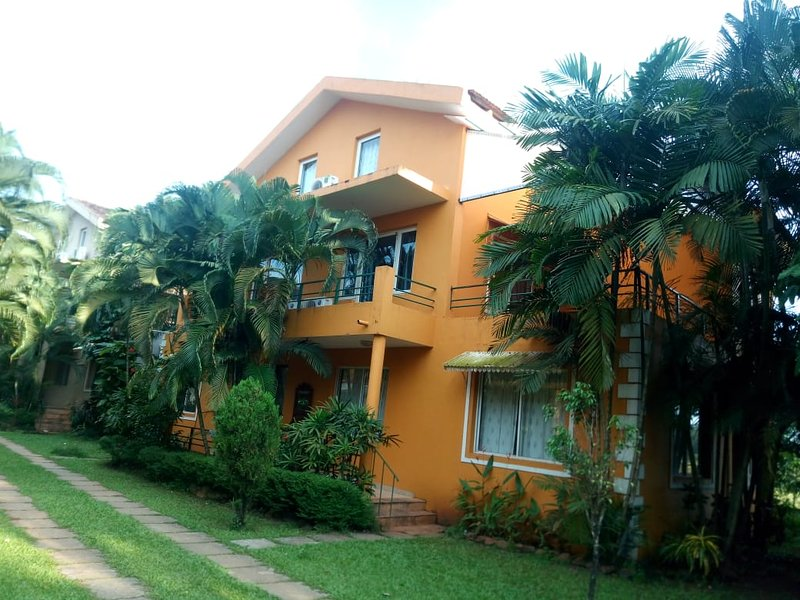 4bhk villa with swiming pool, holiday rental in Varca