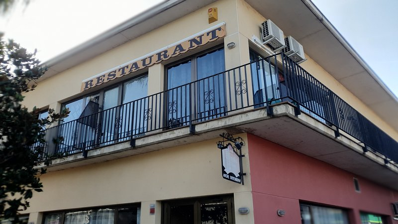 Hostal Bar & Restaurante TorreMirona, holiday rental in Sant Esteve de Llemena