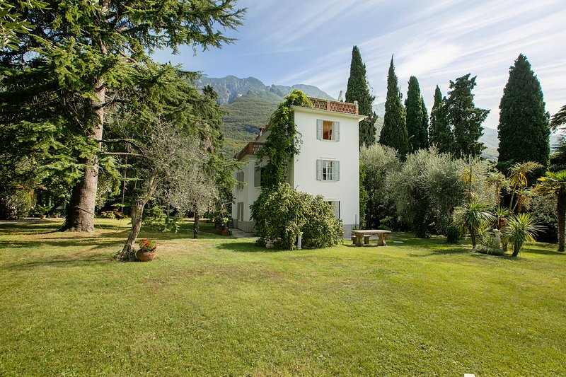 Villa Rohan, holiday rental in Assenza