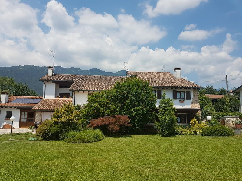 The Paraglider House, holiday rental in Casoni