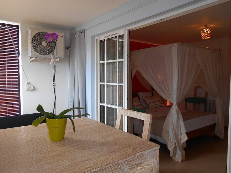 Nice apartment with sea view & Wifi, casa vacanza a La Possession