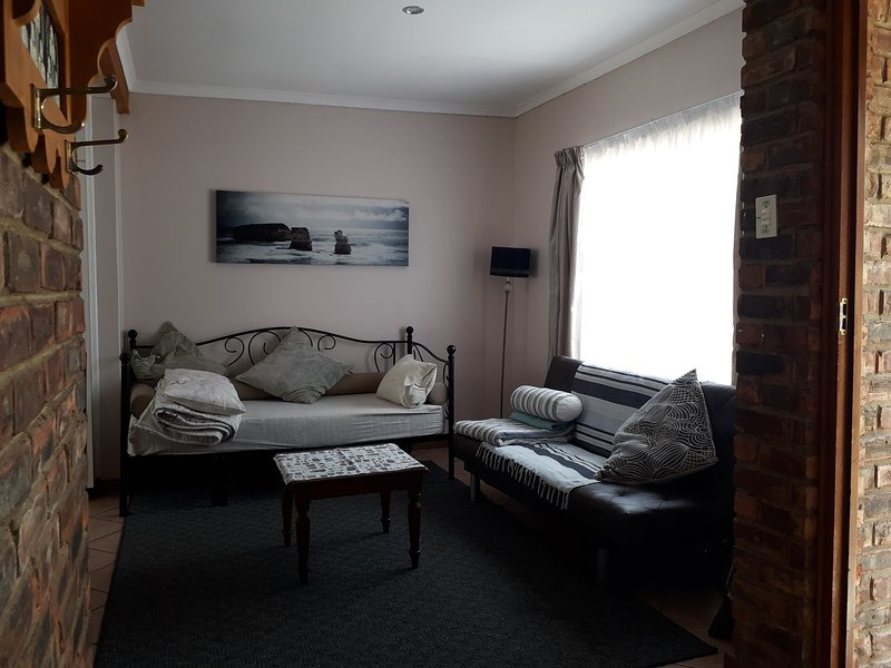 Lin's Guest Flat, vacation rental in Uitenhage