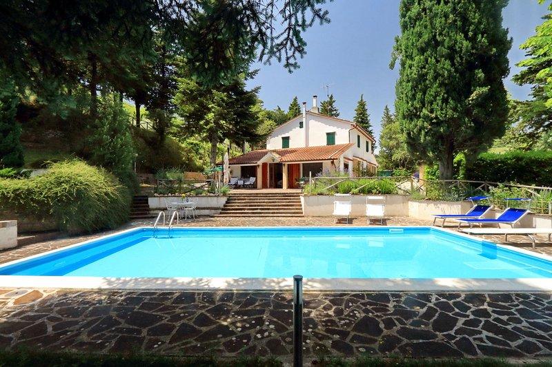 Villa la Serra, Ferienwohnung in Borgiano di Serrapetrona
