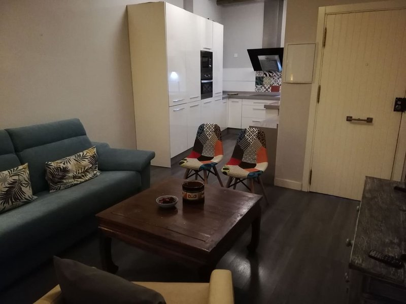 Nice apartment in Sevilla & Wifi, holiday rental in Lora del Rio