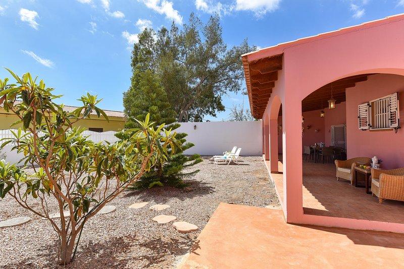 Family Country Villa JG9, vacation rental in Vecindario