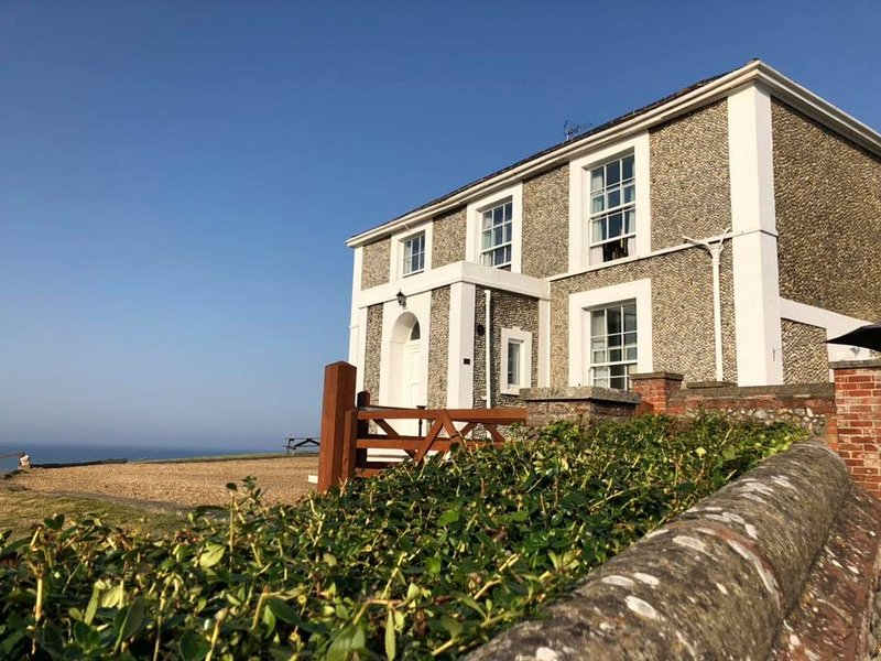 Admiral House, holiday rental in Mundesley