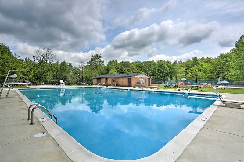 Make a splash in the community's outdoor pool.