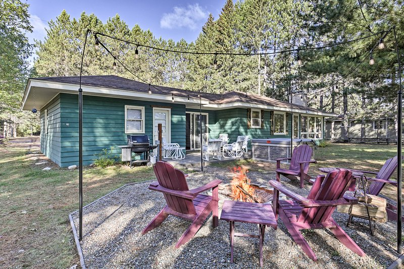 Eagle River Waterfront Home w/Dock & Fire Pit, holiday rental in Eagle River
