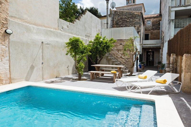 Sunset Villa Campanile, vacation rental in Sa Pobla