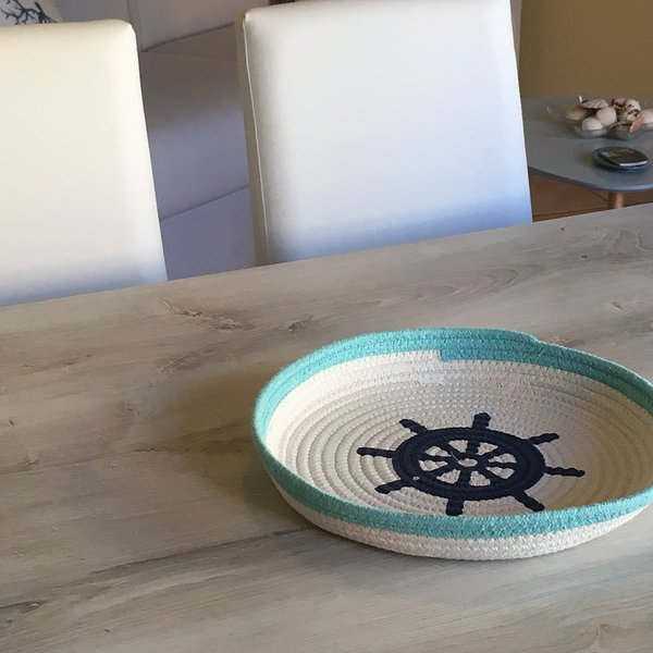 La Marina Apartment with sunny little terrace - wi-fy - free parking, vacation rental in Olbia