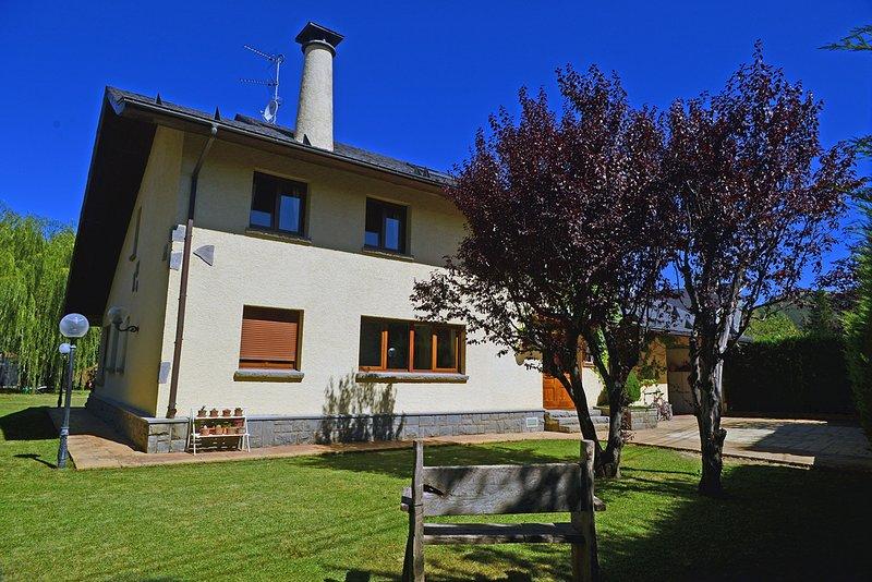 La Casa de Pico Collarada, vacation rental in Jaca
