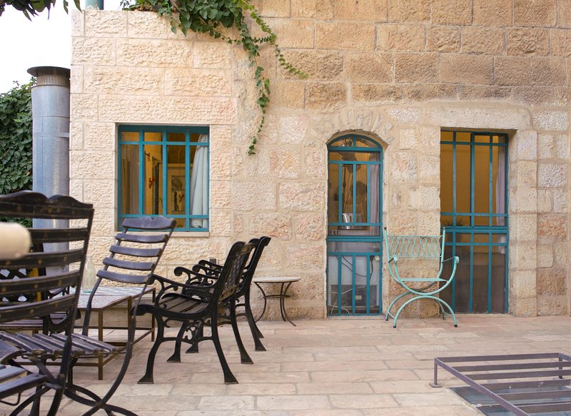 Magas House,The Garden Studio. Great Location for 1, holiday rental in Kfar Adumim