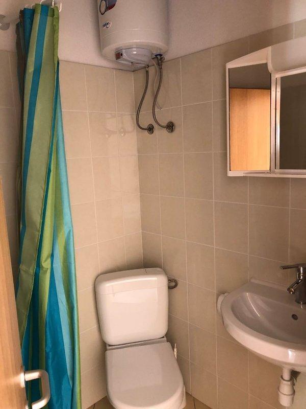 SA5 bijeli (2): baño con inodoro
