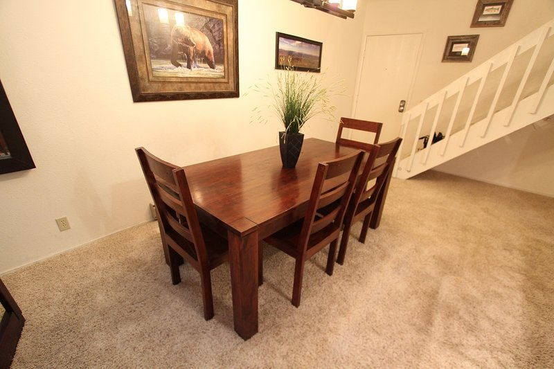 Chair,Furniture,Table,Dining Table,Flooring