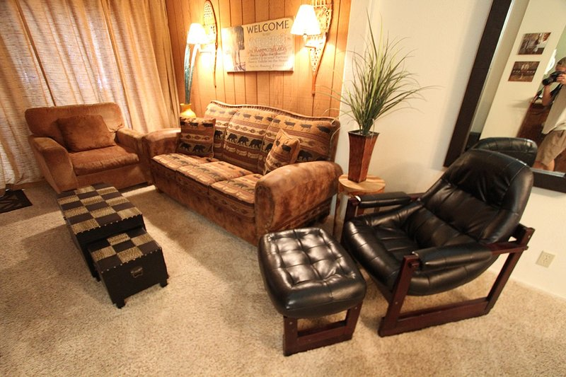 Furniture,Chair,Couch,Room,Living Room